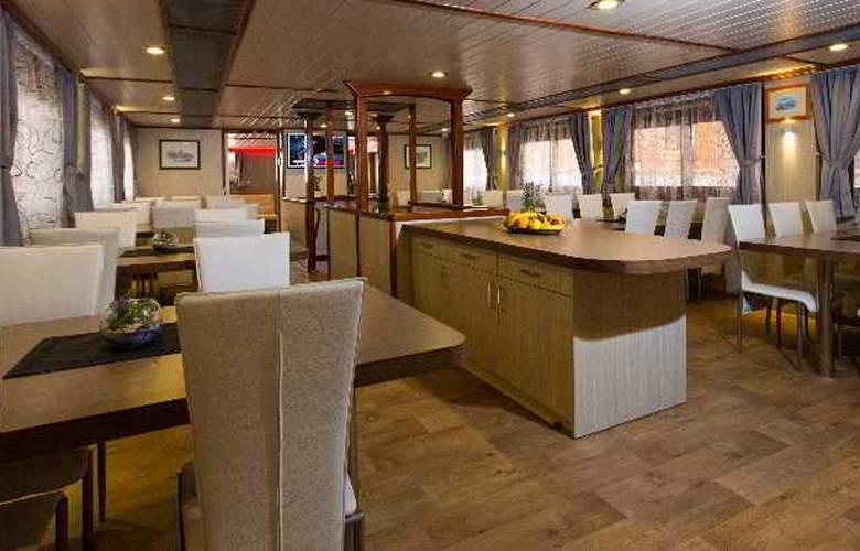 Cruise from Dubrovnik on M/S Leonardo - Restaurant - 13