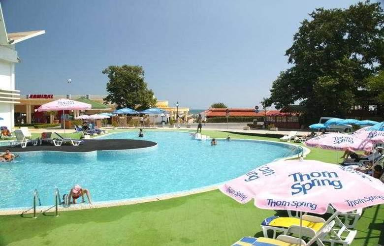 Grand Hotel Casino International - Pool - 7