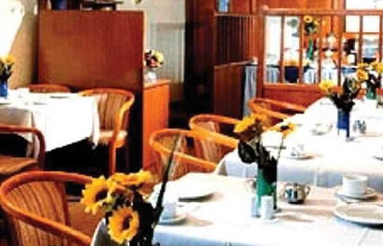 City Partner Hotel Astoria - Restaurant - 3