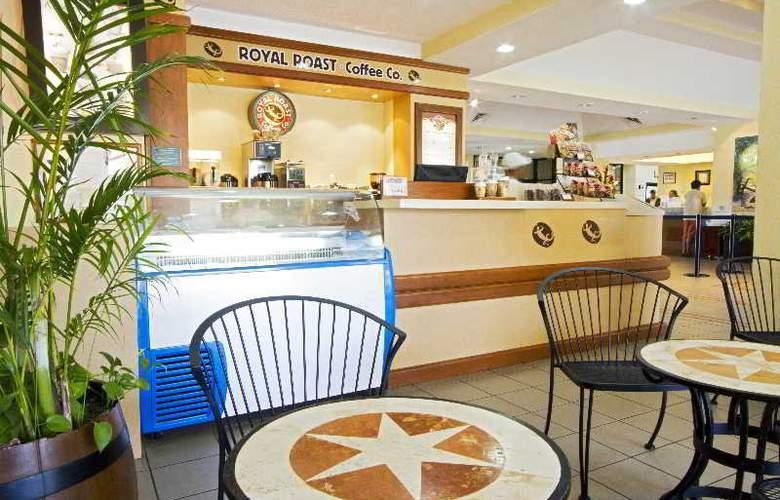 The Royal Caribbean - Hotel - 10