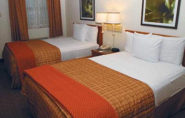 La Quinta Inn Oklahoma City del City 632 - Room - 2