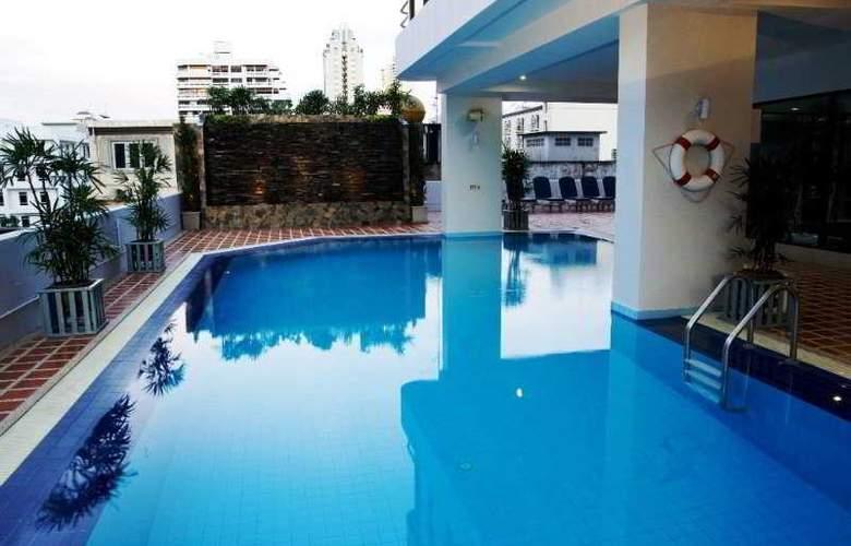 Taipan Hotel - Pool - 7
