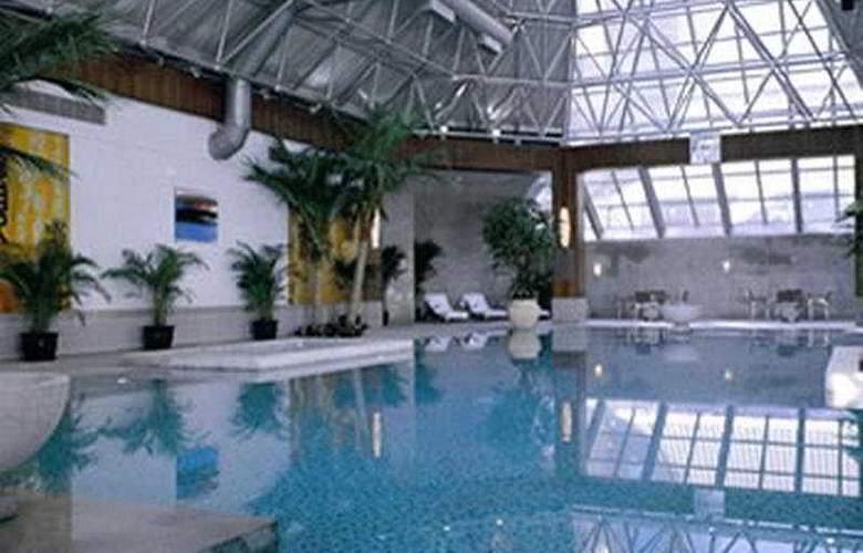 Ascott - Pool - 5