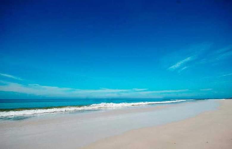 Baan Karon Resort - Beach - 5
