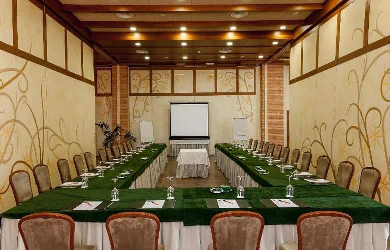 Comendador - Conference - 31