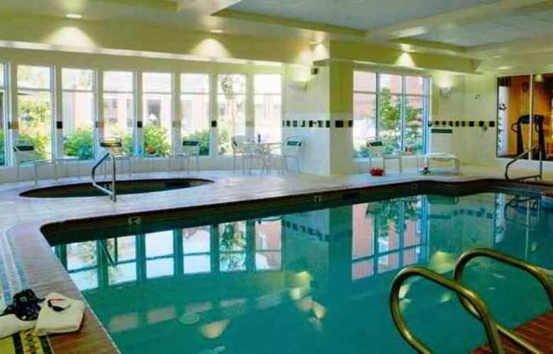 Hilton Garden Inn Corvallis - Pool - 9