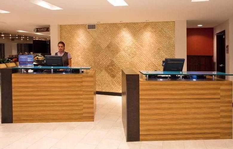 Crowne Plaza Tampa Westshore - Hotel - 9