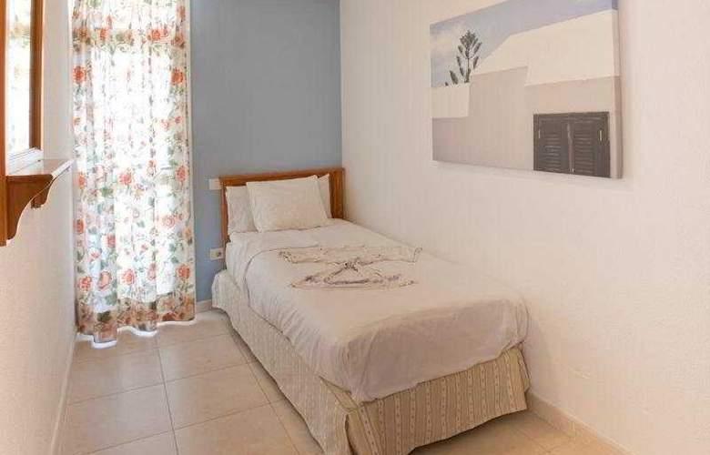 Playa del Sol - Room - 3