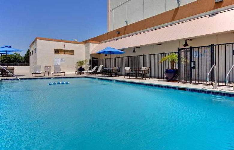 Holiday Inn Los Angeles Airport - Pool - 26