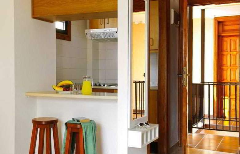 Apartamentos Compostela Beach - Room - 5