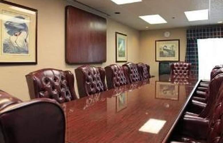Quality Inn & Suites Yacht Club Basin - General - 1