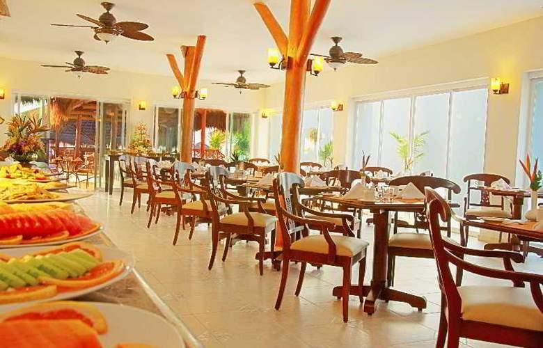 Hidden Beach Resort All Inclusive - Restaurant - 10