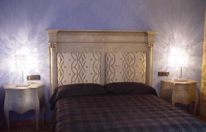 Posada Doña Urraca - Room - 5