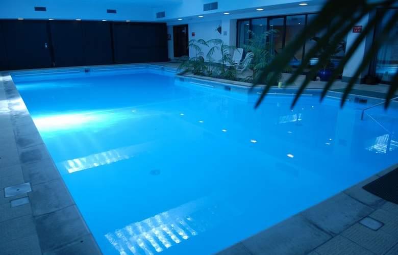 Fortina Hotel Spa Resort - Pool - 14