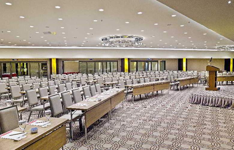 Ramada Plaza Tekstilkent - Conference - 3