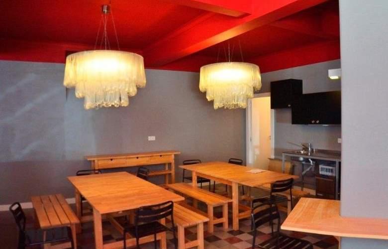 Hostel4U - Restaurant - 2