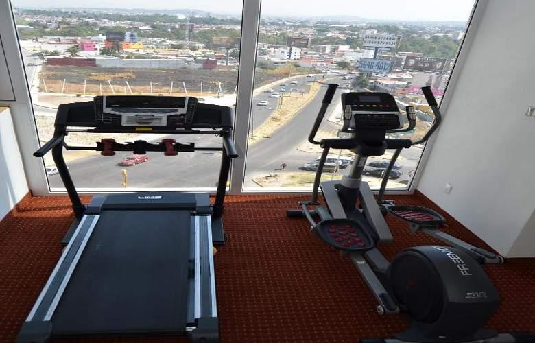 La Quinta Inn & Suites Puebla Palmas - Sport - 25