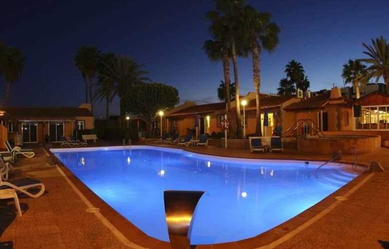 Los Almendros (gay, lesbian & friends) - Pool - 7