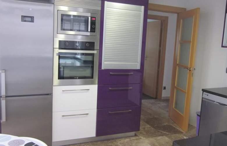 Apartamentos Camilo - Room - 14
