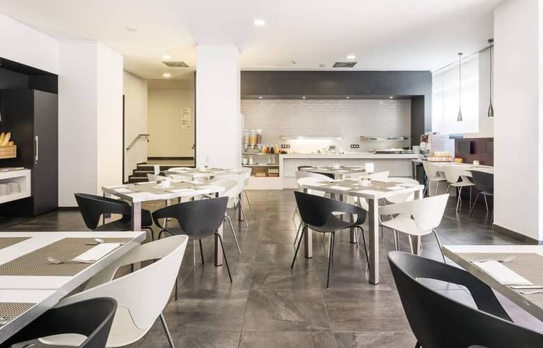 Ilunion Romareda - Restaurant - 16