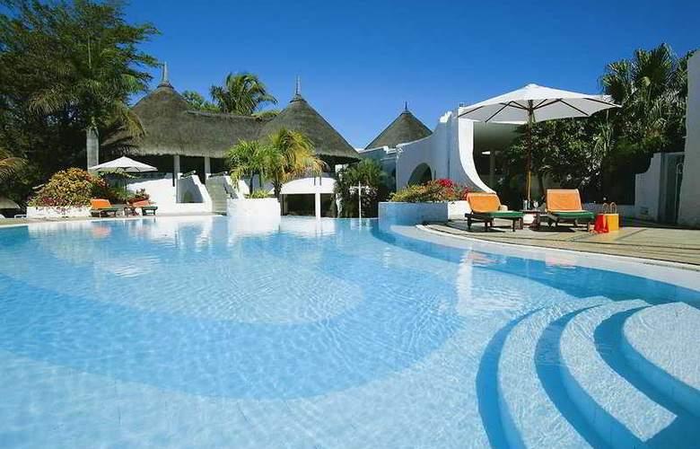 Casuarina Resort & Spa - Pool - 5