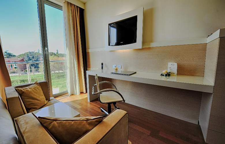 Abitalia Tower Plaza - Room - 22