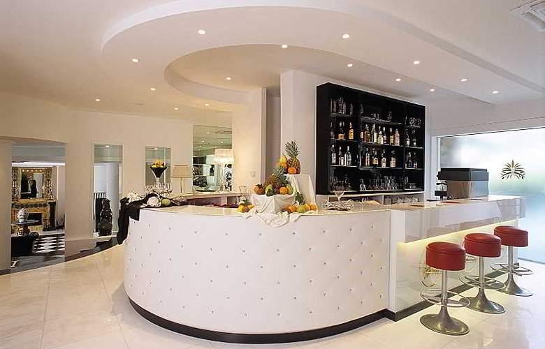 M Glamour Hotel - Bar - 6