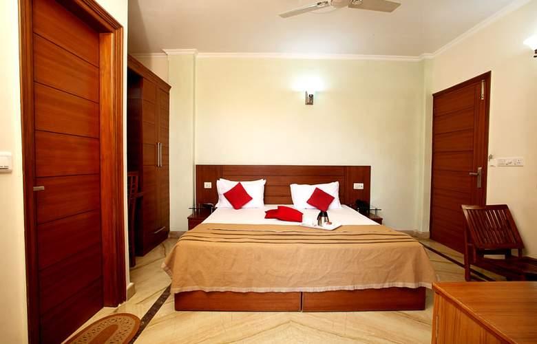 Indira International Inn - Room - 0