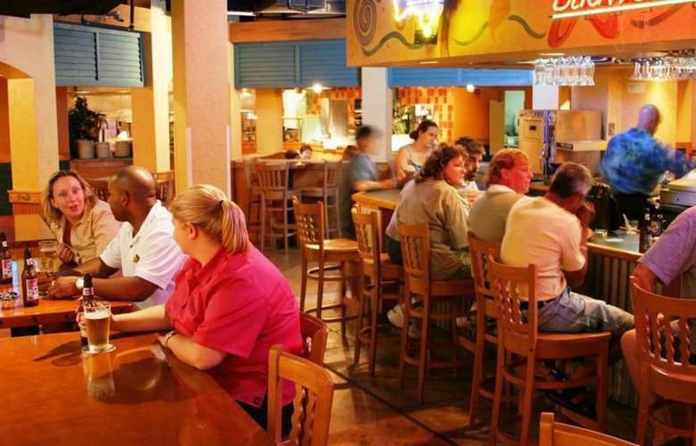 Best Western Plus Orlando Gateway Hotel - Bar - 82