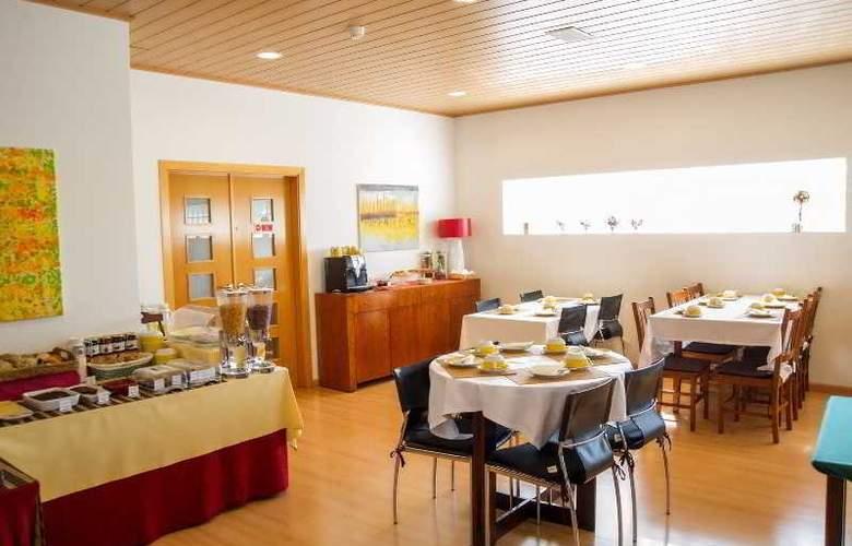 Casa Do Outeiro - Restaurant - 32