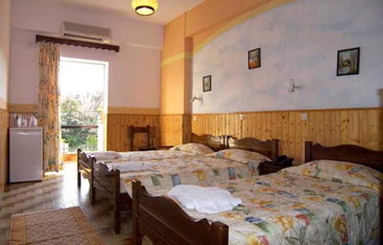 Maltezos - Room - 4