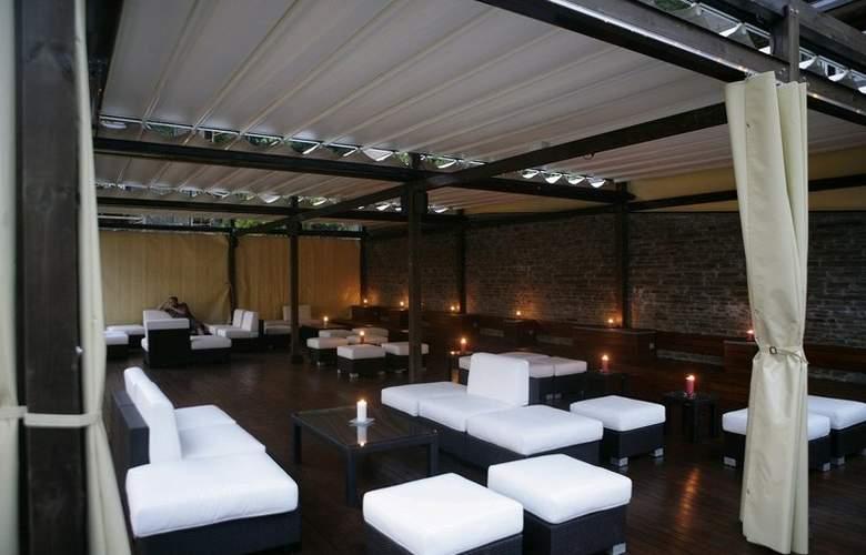 Anyos Park Hotel - Bar - 6