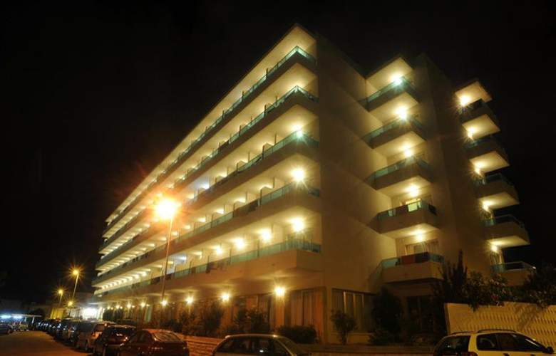 Natura Park - Hotel - 1