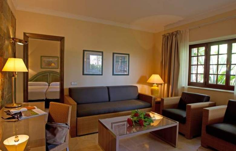SUITES & VILLAS by Dunas - Room - 9