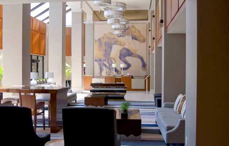 Hilton Arlington - Hotel - 0