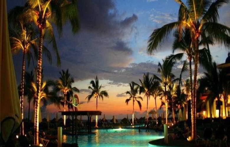 Ocean Breeze Hotel Nuevo Vallarta - Pool - 5