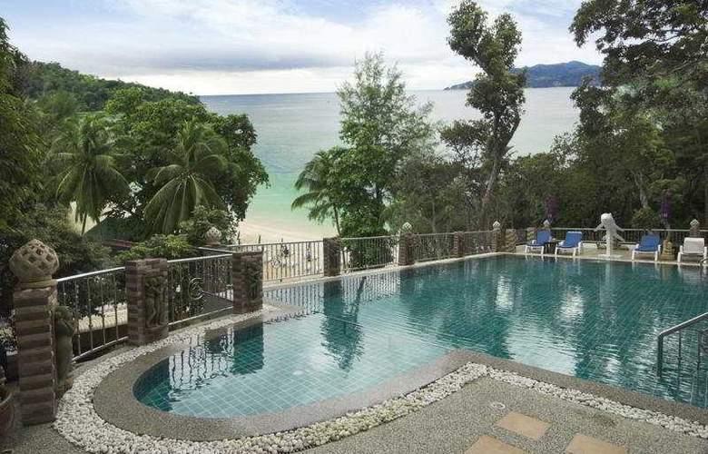 Tri Trang Beach Resort - Pool - 9