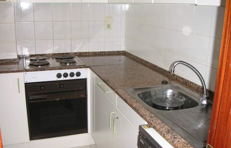 Apartamentos Port Gavina - Room - 1