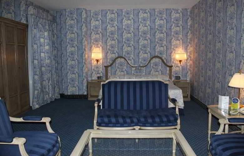 Ebora - Room - 2