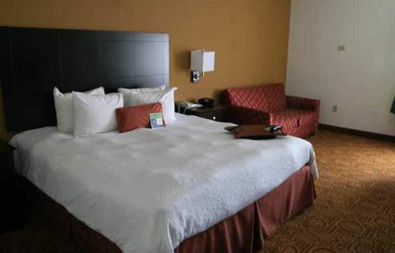 Hampton Inn & Suites Toledo-North - Hotel - 1