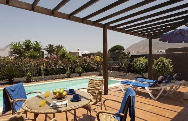 Las Marinas - Pool - 9