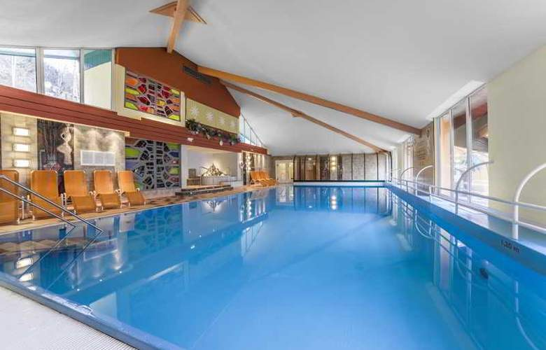 Alpine Club - Pool - 29