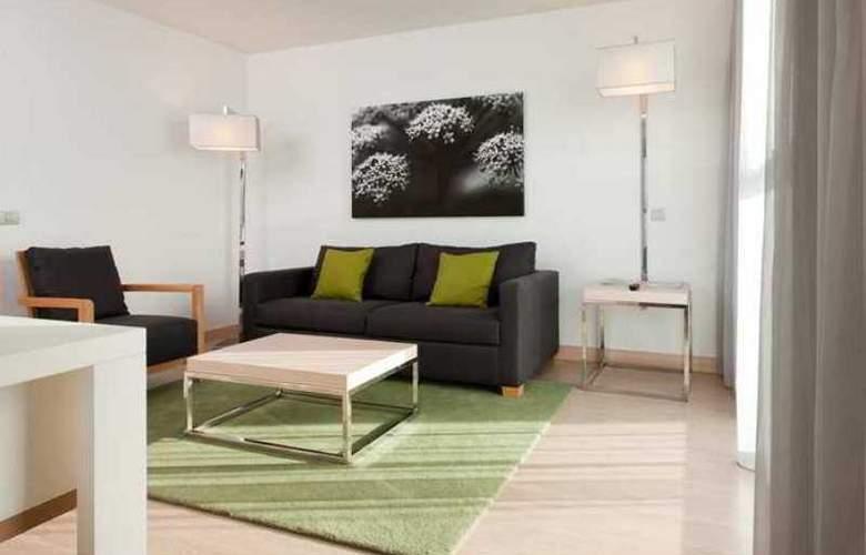 Double Tree by Hilton Girona - Hotel - 10