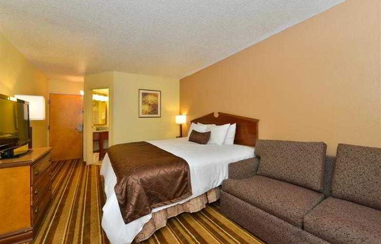 Best Western Plus Richmond Airport Hotel - Hotel - 60