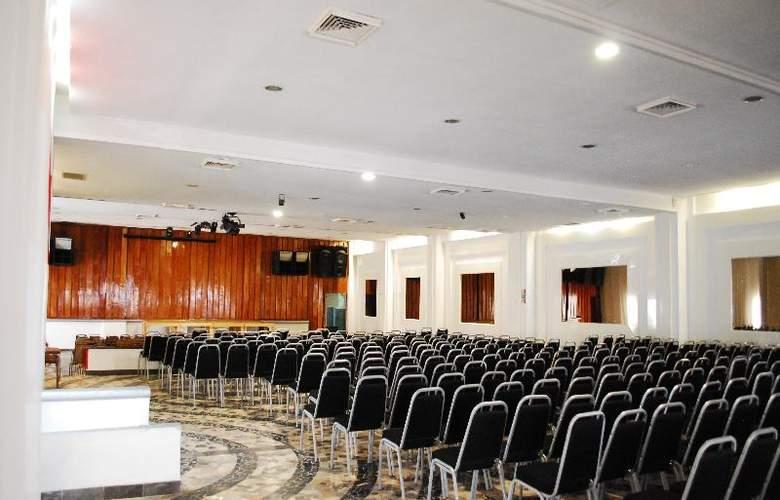 Aristos Puebla - Conference - 36