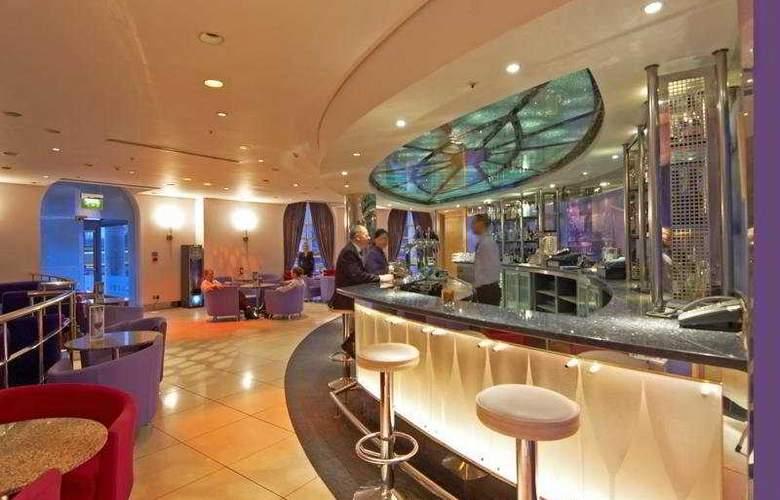 Hilton Cardiff - Bar - 4