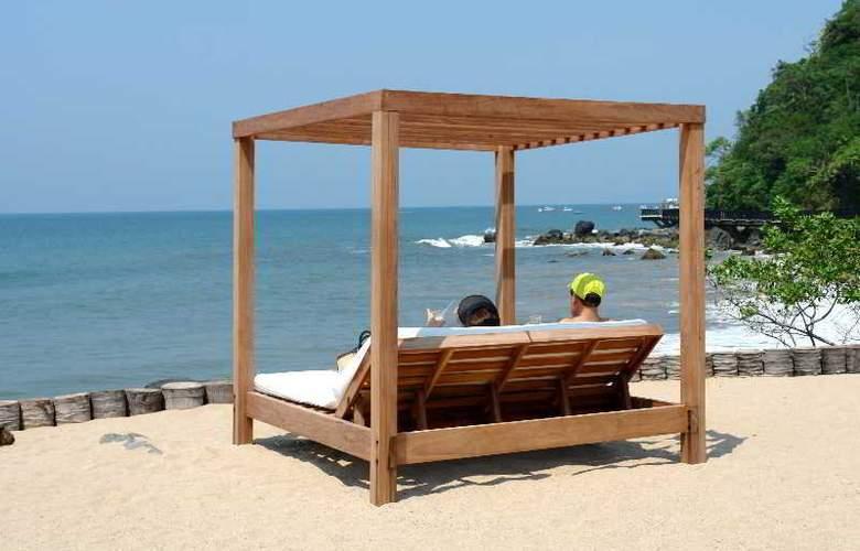 Azul Ixtapa Grand All Suites Spa&Convention Center - Beach - 2