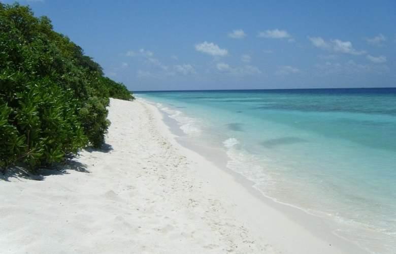 Ukulhas Inn - Beach - 11