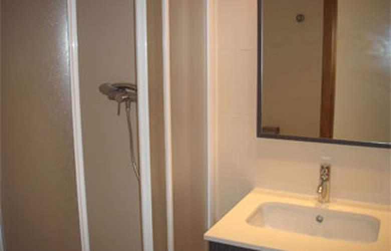 Apartamentos San Damián 3000 - Room - 4