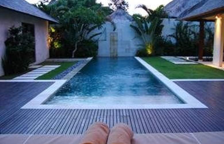 Villa Bali Asri - Pool - 7